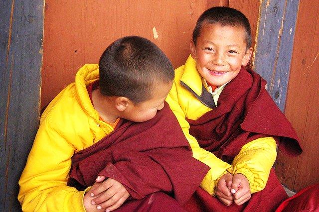 不丹旺頗章的兩個超可愛的小喇嘛